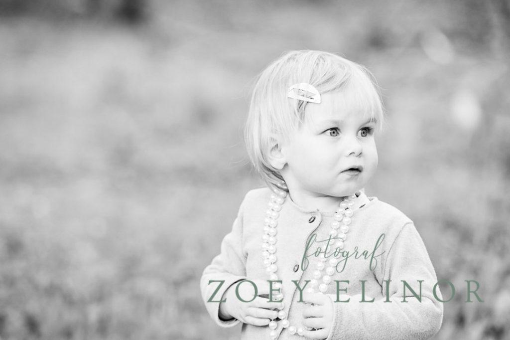 Børnebilleder, børnefotograf, billeder i naturen, vejle, Horsens, herning, Kolding, fotografering i hjemmet, hjemmefotograf