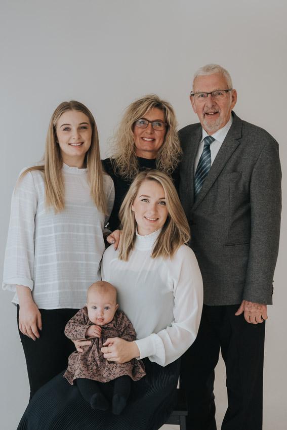 Generations fotografering, familie fra Vejle fotograferet af fotograf Zoey Elinor